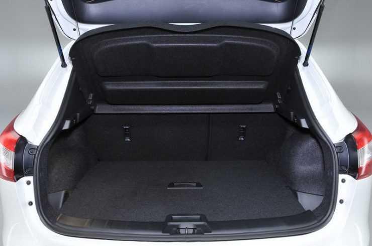 Пространство багажника в Nissan Qashqai