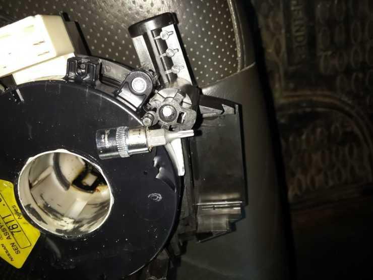 Процесс замены подрулевого шлейфа на Nissan Qashqai