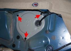 Процесс замены топливного фильтра