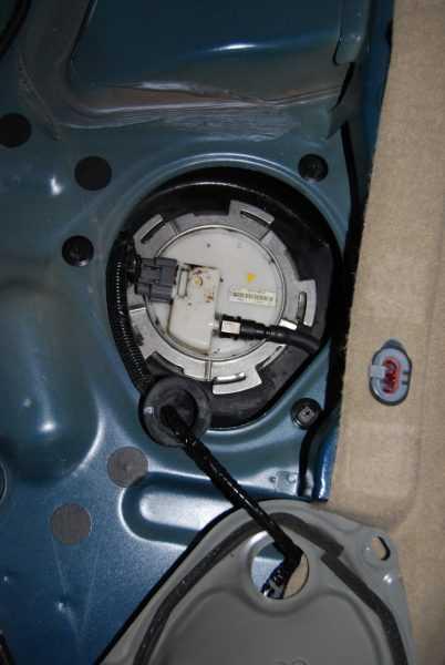Процесс замены топливного фильтра 1