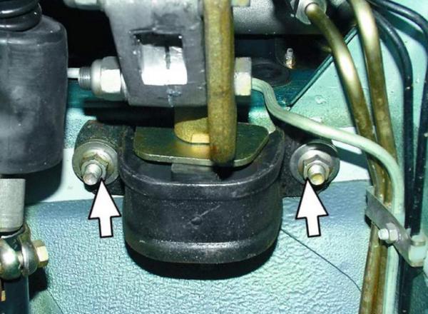 замена передней подушки двигателя ваз 2115